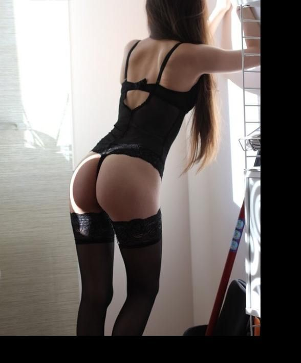 Anemona,  beautiful, young and very discreet escort