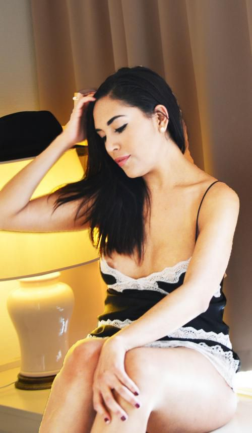 hot latin girl new in town